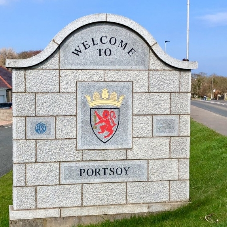 Portsoy welcome sign