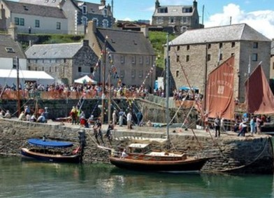 Every year in Portsoy thusands of boat lovers some at the Scottish Boat Festival.